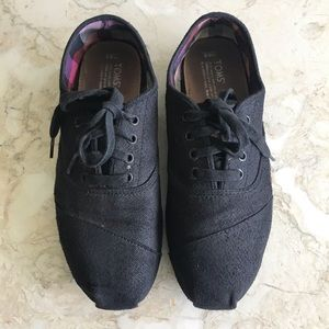 Toms LaceUp Shoes
